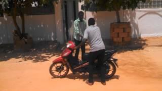 """Comédie du Niger """"L'escroc"""""""