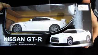 Nissan GT-R Remote Control Car Unboxing & Test Drive Linus Tech Tips
