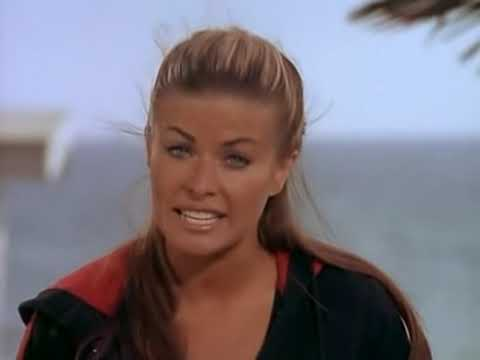 Carmen Electra - Baywatch (Stretching)