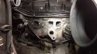 AUDI A4 1.9 TDI 2002  AWX CLEANING THE EGR VALVE