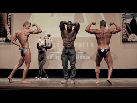 PRO bodybuilder jumps on stage against the amateurs
