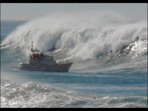 Rogue Wave Cruise Ship Images - Giant wave hits cruise ship