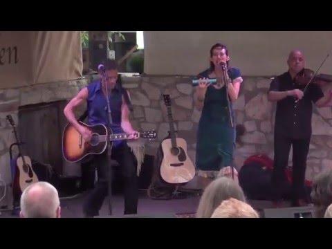 Patricia Vonne & Robert LaRoche ~Mudpies and Gasoline~LIVE IN AUSTIN TEXAS at Guerro's