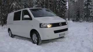 Transporter T5 blue 4motion light snow driving
