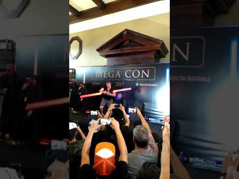 Ray Park lightsaber demostration