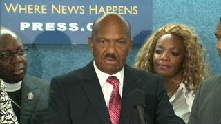 Pastor attacks Obama over gay marriage