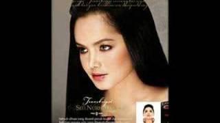 Watch Siti Nurhaliza Wanita video