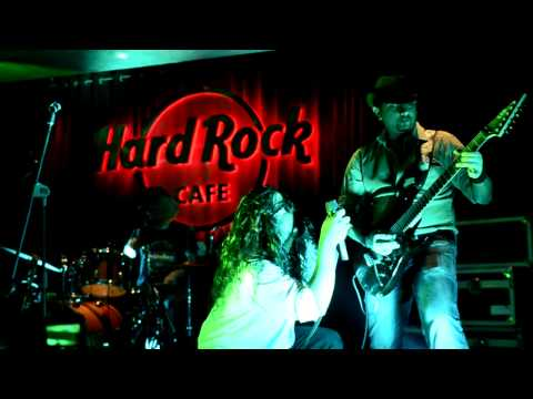 Highway Star Solo and end at Hard Rock Cafe, Delhi.MOV