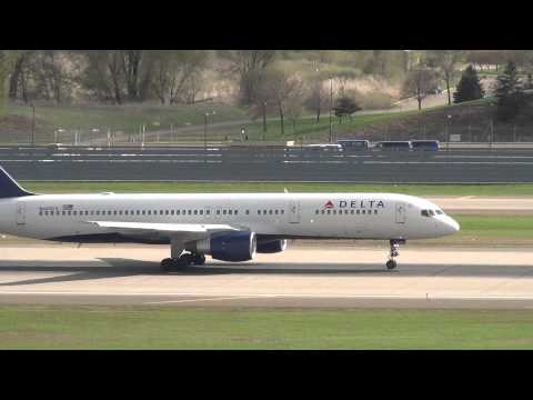 Delta Airlines Boeing 757-232 Takeoff 30L | N685DA | Minneapolis International HD