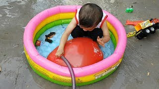 Trò Chơi Bơm Nước Vào Bong Bóng Khổng Lồ ❤ ChiChi TV ❤ Đồ Chơi Trẻ Em