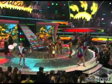 Season 10:Will.i.am & Jamie Foxx - Hot Wings (I Wanna Party)(Live On American Idol 2011)(Top 10)