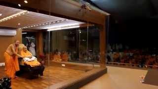 Guruhari Darshan 20 Jan 2015 - Pramukh Swami Maharaj