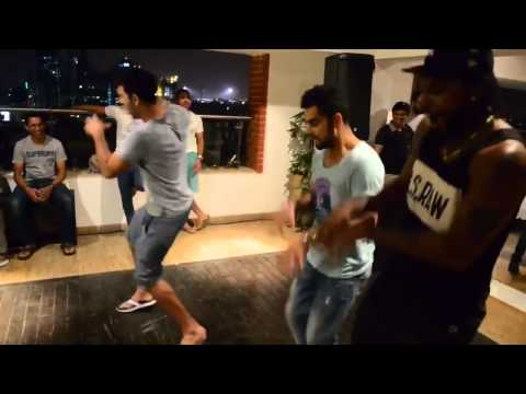 Kholi dance with Gayle,yuvraj and AB De villiers
