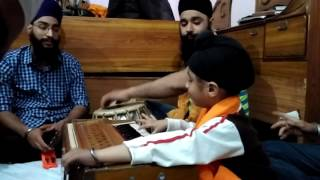 Blissful Kirtan by 5 Year old Gurteg Singh - Gur Ramdas Rakho Sarnai