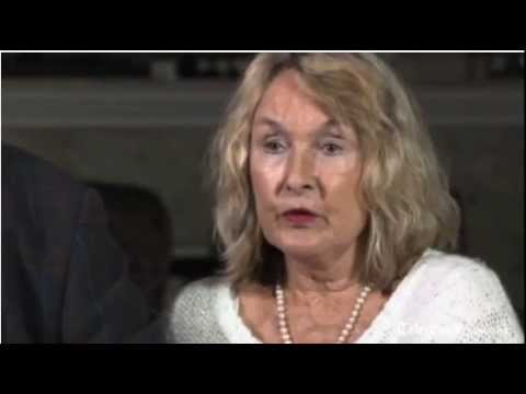Reeva Steenkamp's Mother speaks out.