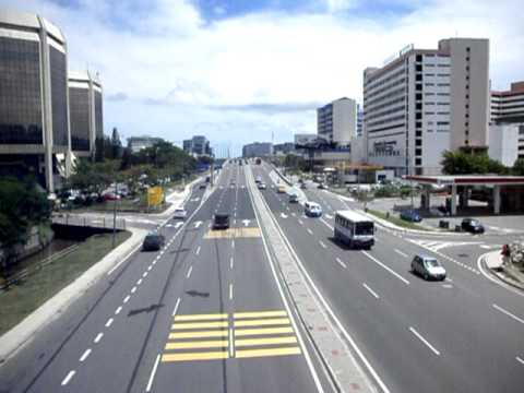 A recording I took from the pedestrian bridge at Karamunsing. Traffic was busy but still smooth.