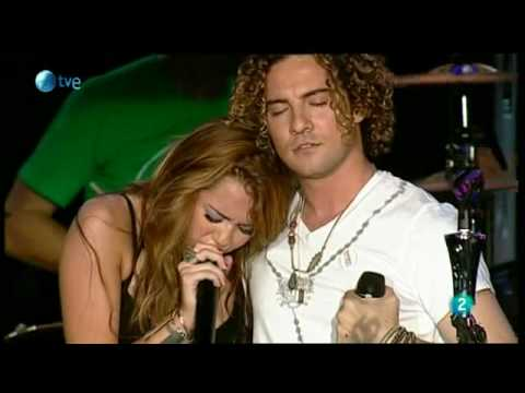Miley cyrus & David Bisbal - WHEN I LOOK AT YOU - Rock in Rio Madrid 2010