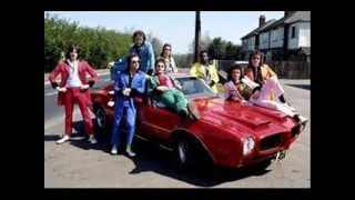 Watch Showaddywaddy Take Me In Your Arms video