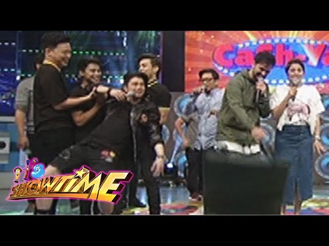It's Showtime: Vhong slips!