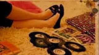 download lagu Emmy The Great- Two Steps Foreward gratis
