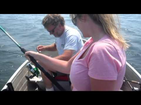 Fishing report - NJ Fluke Fishing- Watch Ken Beam, Sharon & Curt Ryder Fluke Fish in Atlantic Highlands NJ 7/20/2011 Video