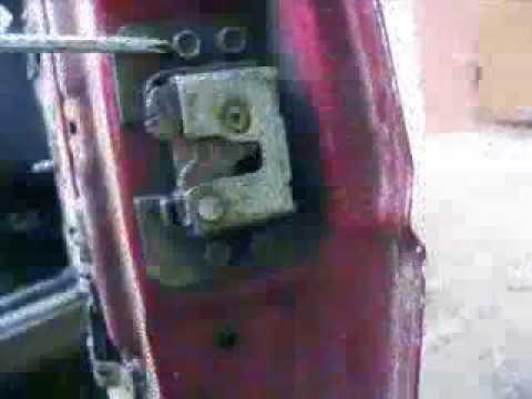 Как заменить замок и ручку двери автомобиля Заз-1102 Таврия?