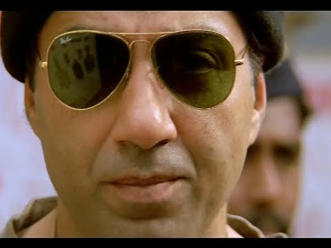 Sunny Deol Saves Abbas From Bomb Blast - Champion Movie - Action Scene video
