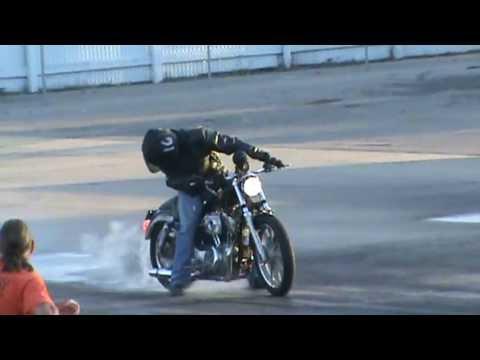 Sportster vs R6 drag race