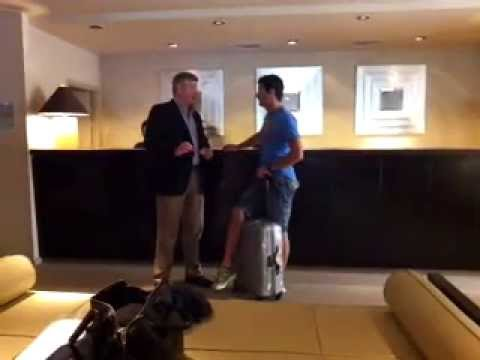 Mark Webber talking to Ross Brawn in Hotel lobby - GP Monaco 2013