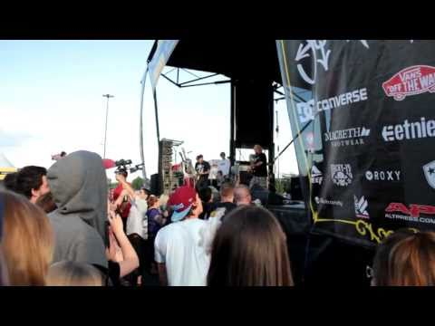 New Found Glory - At Least I'm Known For Something(Live at Journeys Backyard BBQ 2011)