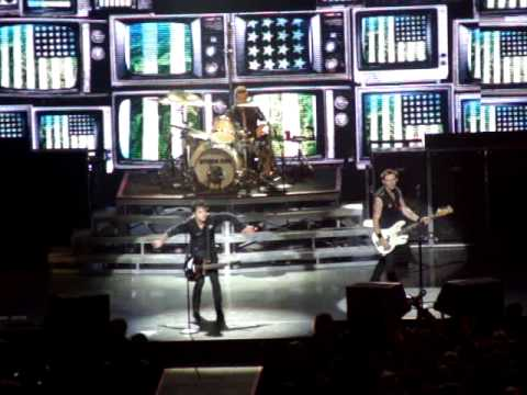 Green Day - The tension is in the air, sorry fingertips (live @ Ericsson Globe, SWEDEN 11.10.2009)