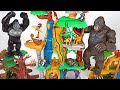 King Kong broke our base! Lion Guard! Protect us with a great training lair platset! - DuDuPopTOY