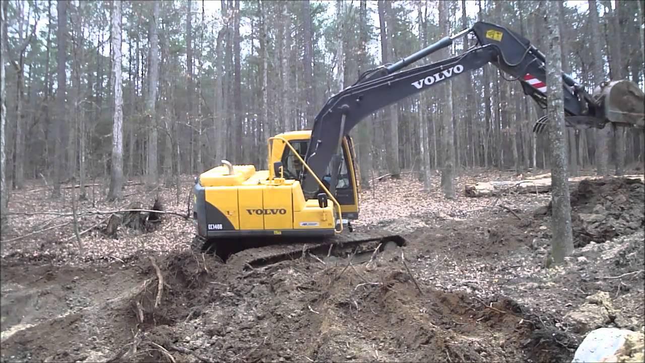 140 Volvo Excavator digging - YouTube