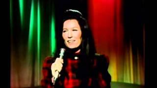 Watch Loretta Lynn What Makes Me Tick video