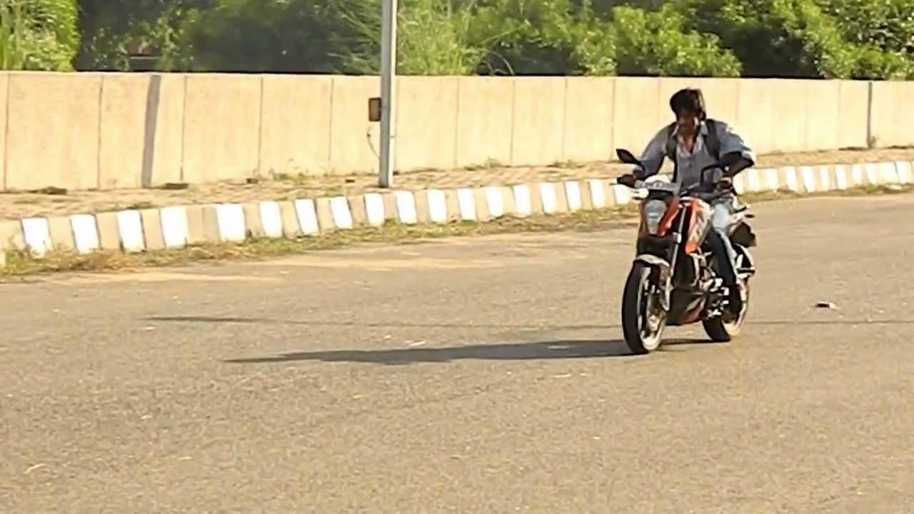 Ktm Duke Bike Stunts Ktm Duke 200 Stunts