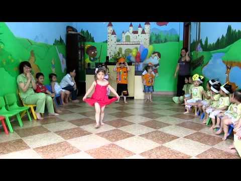 Trình diễn thời trang Quốc tế thiếu nhi 01-06