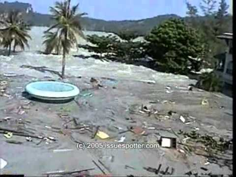 Tsunami hitting Koh Phi Phi Island, Thailand Amateur camcorder footage of the 2004 tsunami disaster