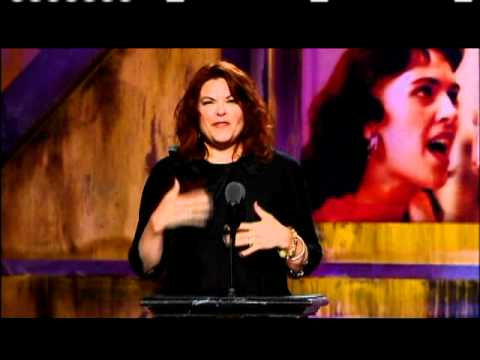 Roseanne Cash inducts Wanda Jackson 2009