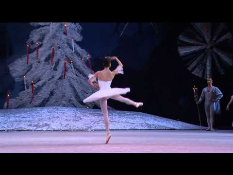"P.TCHAIKOVSKY - ""Dance of the Sugar Plum Fairy"" / Nutcracker - Bolshoi Ballet 2010 / Life Extract"