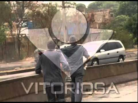 Acidentes marcam início de chuva em Uberlândia - parte 1