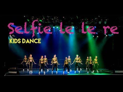 Selfie Le Le Re, Aaj Ki Party Kids Dance