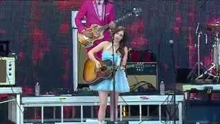 "Kacey Musgraves - 「Farm Aid's 30th anniversary concert」でのライブから""High Time""など8曲の映像を公開 thm Music info Clip"