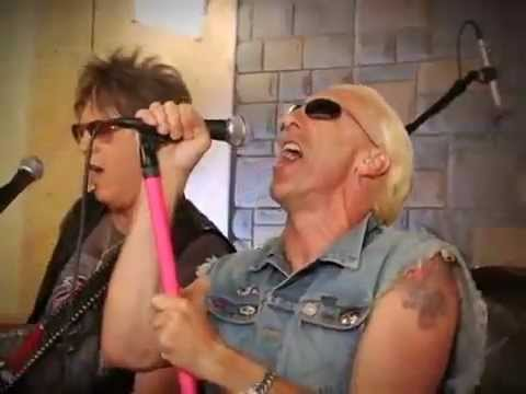Twisted Sister - Heavy Metal Christmas