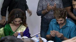 Download শাকিব শ্রাবন্তীর পর এবার মোনাজাত ধরলেন  জিৎ ও নুসরাত ফারিয়া 3Gp Mp4
