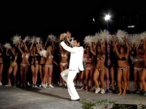 Saturday Night Fever - You should be dancing show by Lele Dinero (The italian Tony Manero)