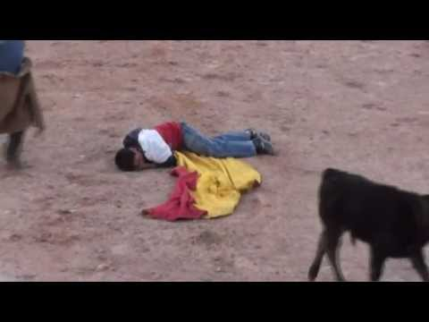 FATAL ACCIDENT A BULLFIGHTER BOY - PERU