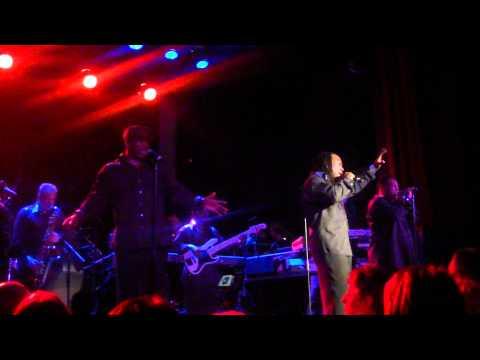 Earth Wind&Fire feat. Al McKay - You can't hide love - live in Zurich at Kaufleuten 1.12.10