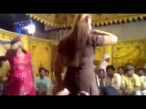 Cute Hot Sexy Pakistani Girls Seducing Mujra Dance Clips video