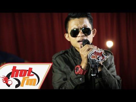 download lagu TAJUL - SEDALAM-DALAM RINDU LIVE - Akust gratis