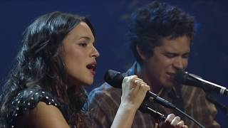 "Norah Jones - ""Blue Bayou"" [Live from Austin, TX]"